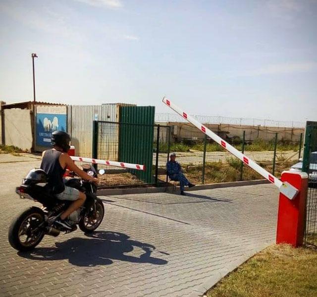 #comunello-10-barriere-Одесса-Ucraina